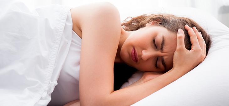 como-a-ma-alimentacao-influencia-a-qualidade-do-sono